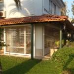 Wetterschutz für Terrassen mit Rollladen