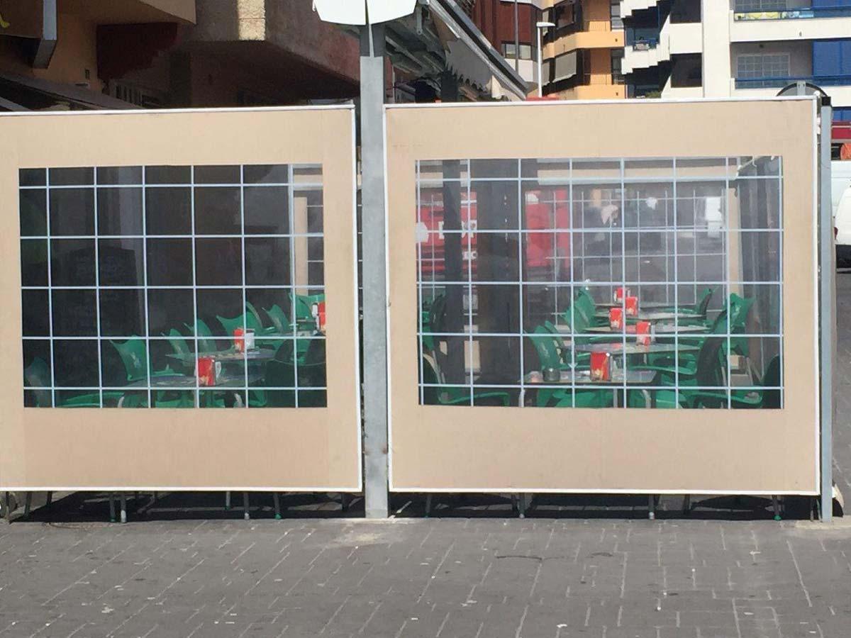 Wetterschutz-Wand mit Durchblick